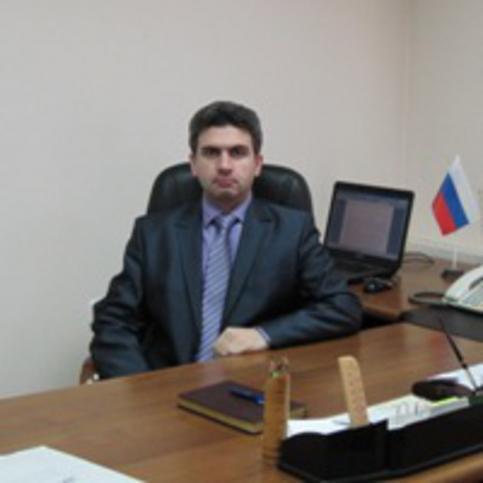 Эмиль Искендеров