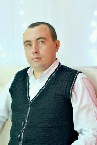 Руслан Салеев