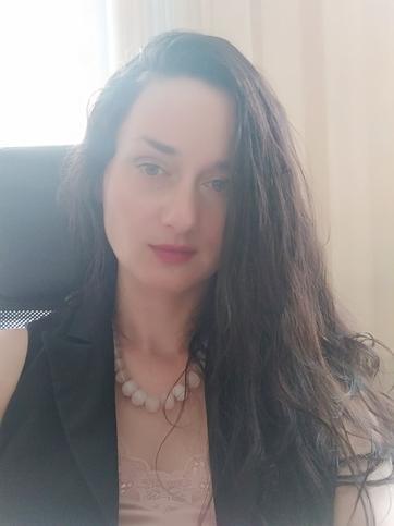 Елена Служивцева