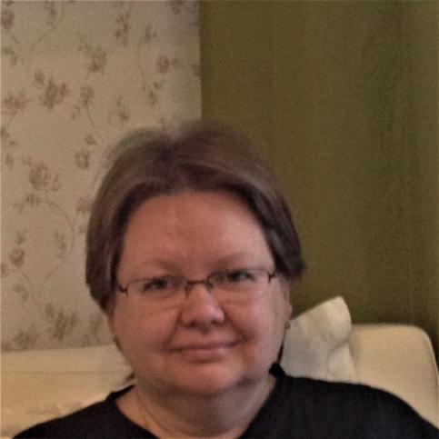 Елена Илларионова