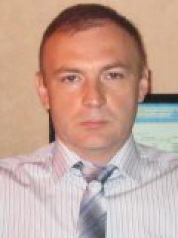 Махмуд Устарханов