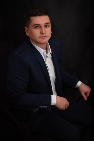 Анатолий Уханов