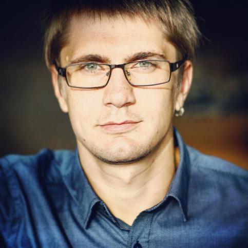 Глеб Комаров